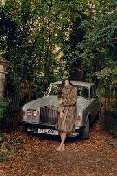Liv Tyler - Vogue Magazine UK (November 2015 Issue and Pics