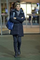 Lori Loughlin Is All Bundled up as She Arrives Back in Chilly Vancouver, December 2015
