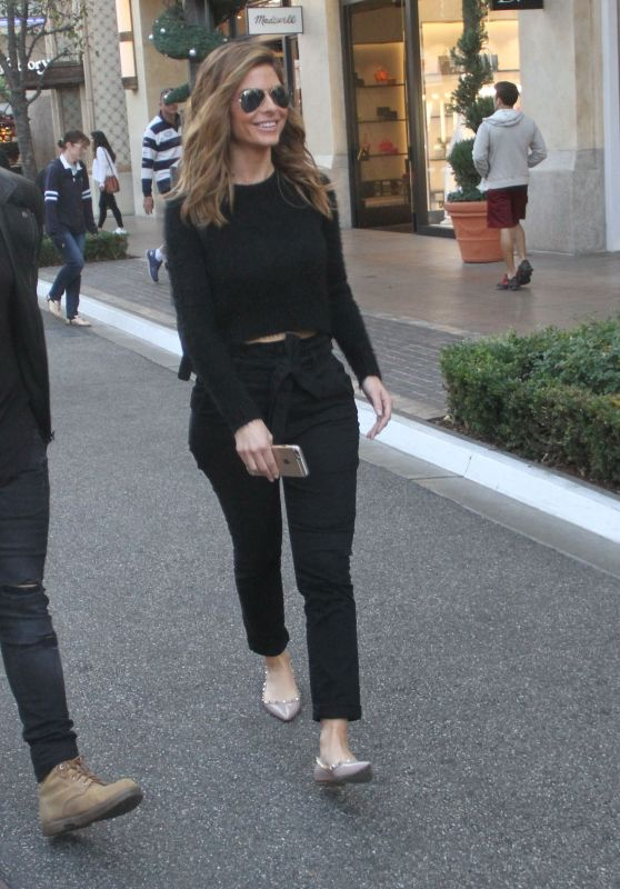 Maria Menounos Street Style - Shopping at The Grove in West Hollywood, December 2015