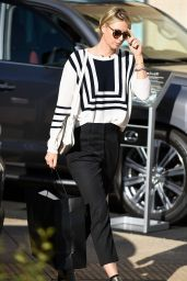 Maria Sharapova Fashion and Style - Shopping in Beverly Hills, December 2015