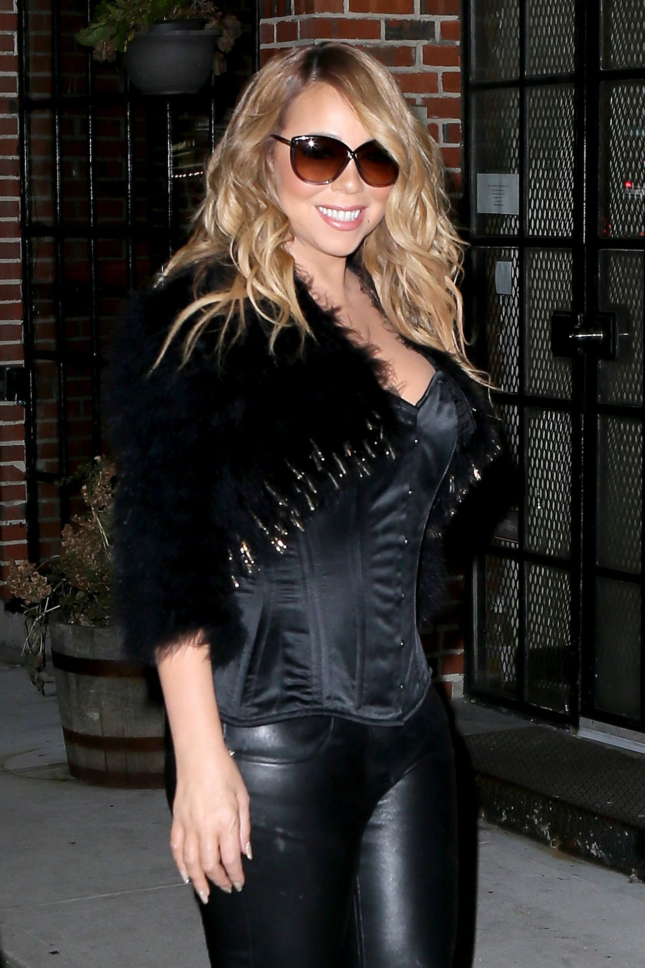 Mariah Carey Night Out Style At Luzzo S In Nyc December