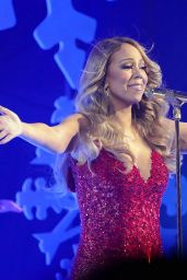 Mariah Carey Performing in New York City, 12/9/2015