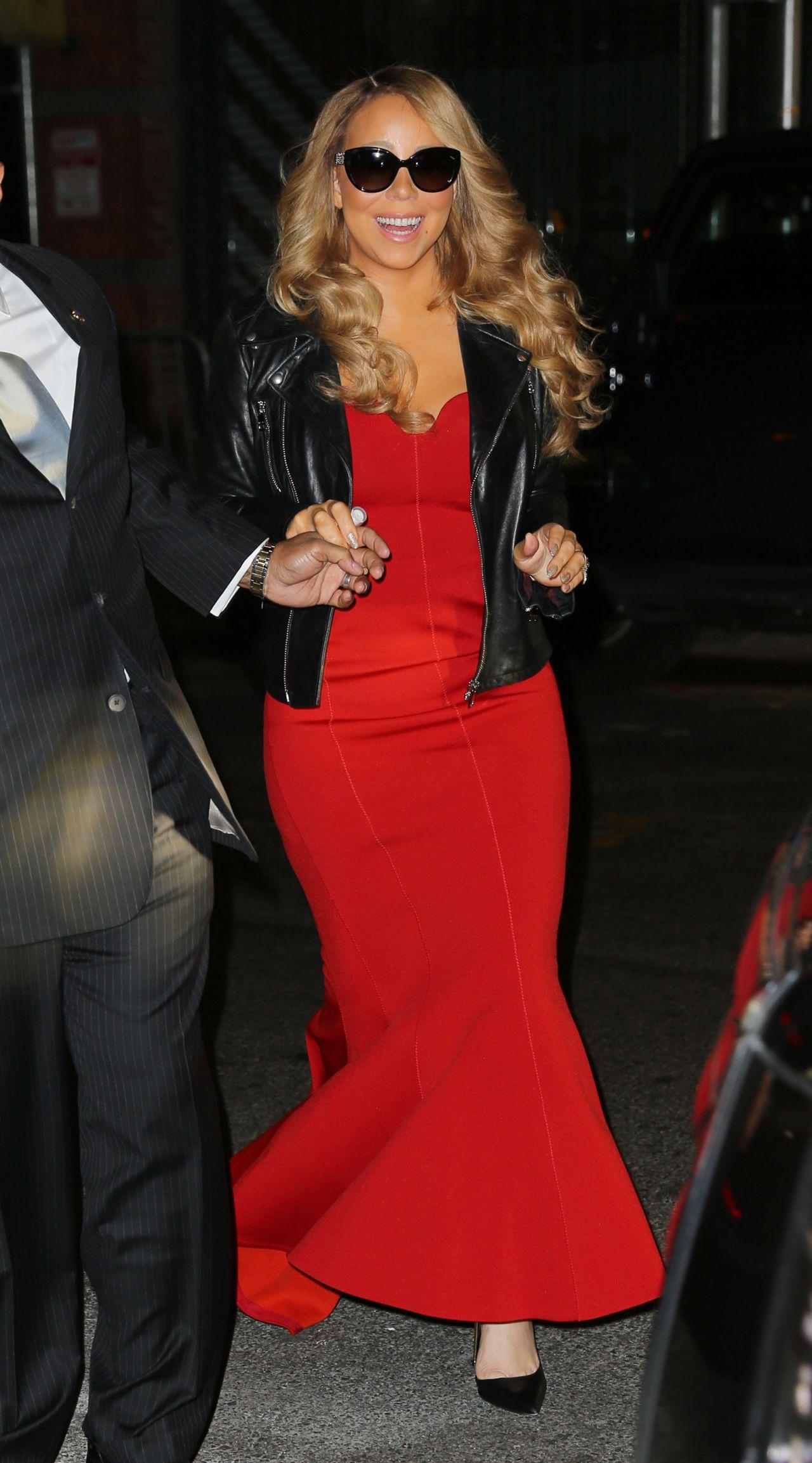 Mariah Carey Performing In New York City 12 9 2015