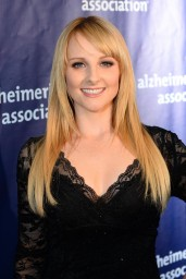 melissa-rauch-2014-a-night-at-sardi-s-at-the-beverly-hilton-hotel_1