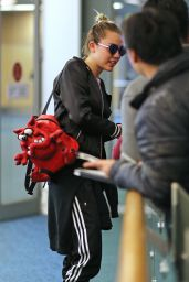 Miley Cyrus at Vancouver International Airport, 12/14/2015