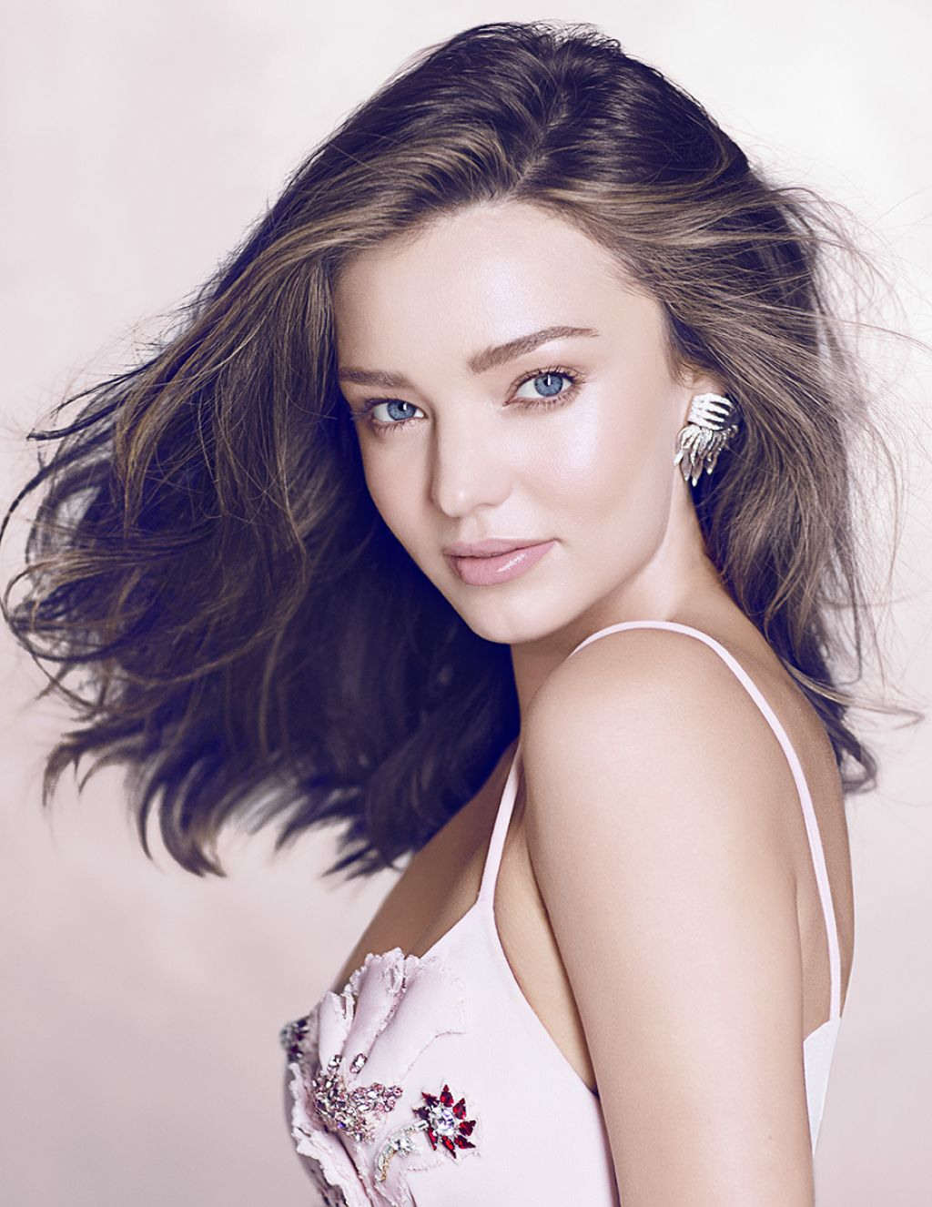 Miranda Kerr Latest Photos - CelebMafia