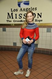 Olivia Wilde - Helps Gap and Bombas Hand out Socks at Los Angeles Mission, 12/9/2015