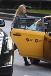 Petra Nemcova - Catches a Cab on Park Avenue in New York City, December 2015