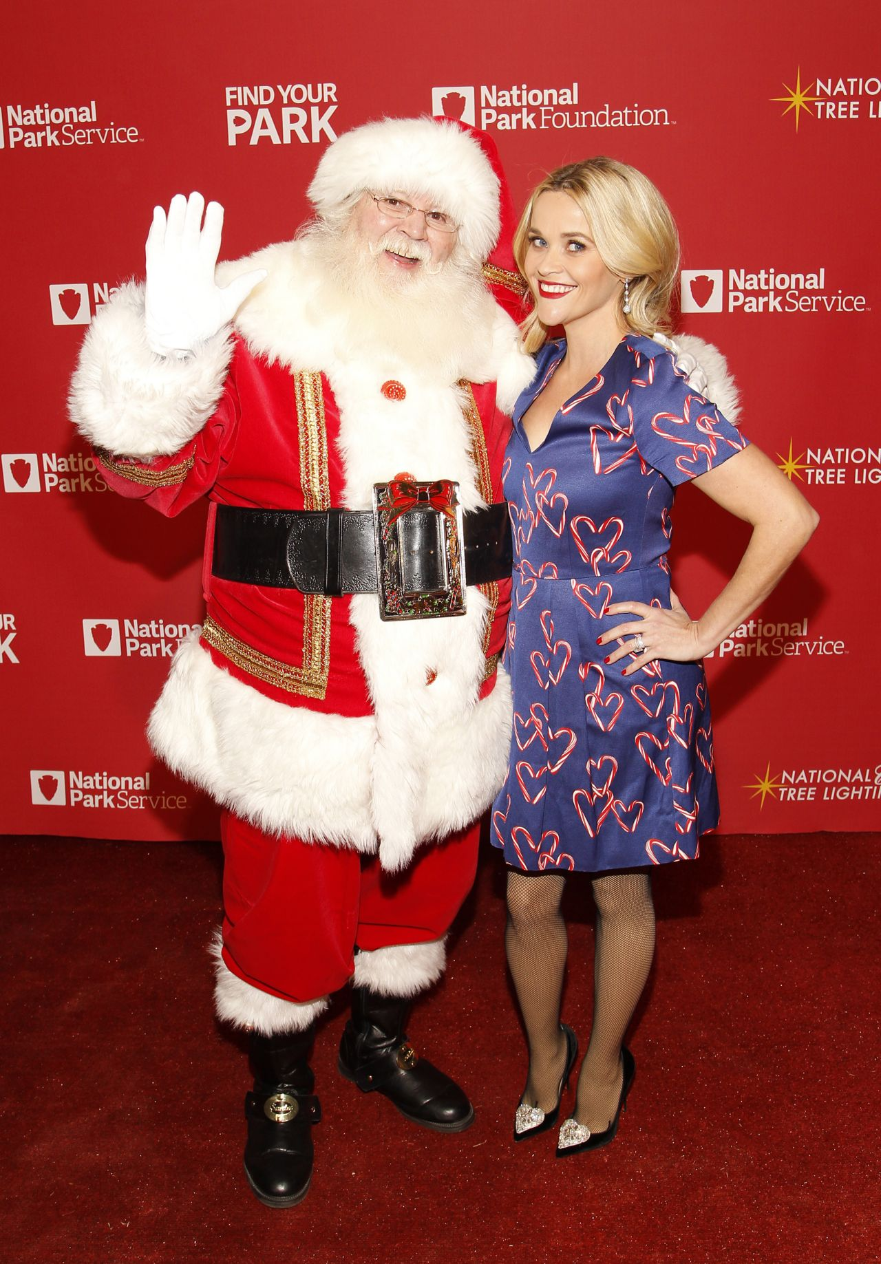 reese witherspoon 2015 national christmas tree lighting at the ellipse in washington - When Is Christmas In 2015