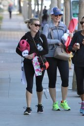 Reese Witherspoon - Going to a Yoga Class in Brentwood, December 2015