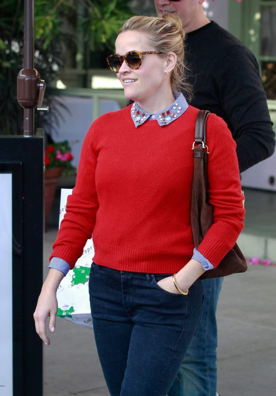 Reese Witherspoon - Out in Santa Monica 12/19/2015