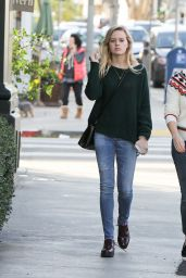 Reese Witherspoon Street Style - Los Angeles, December 2015