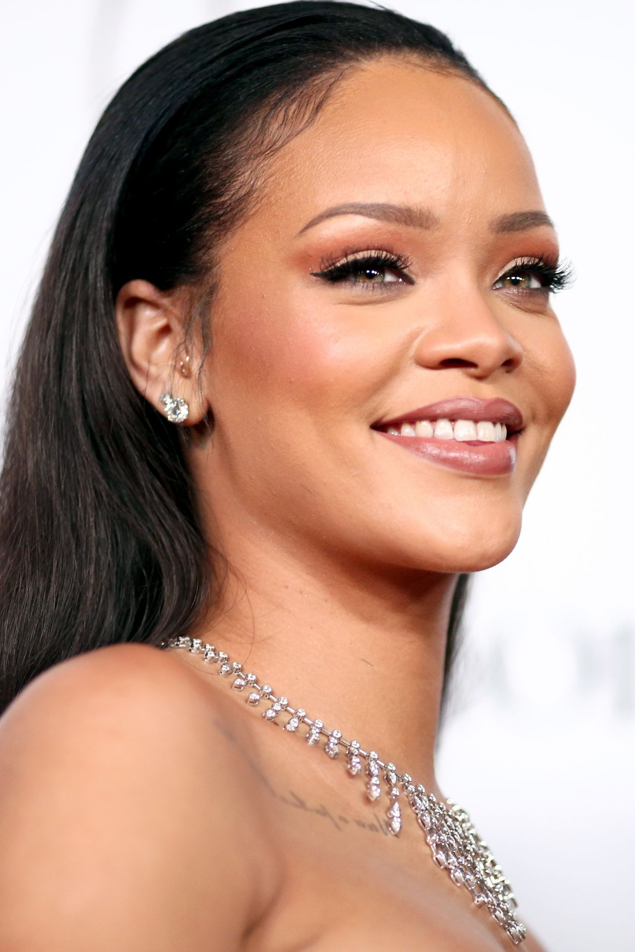 Rihanna 2015 Diamond Ball In Santa Monica 12 10 2015