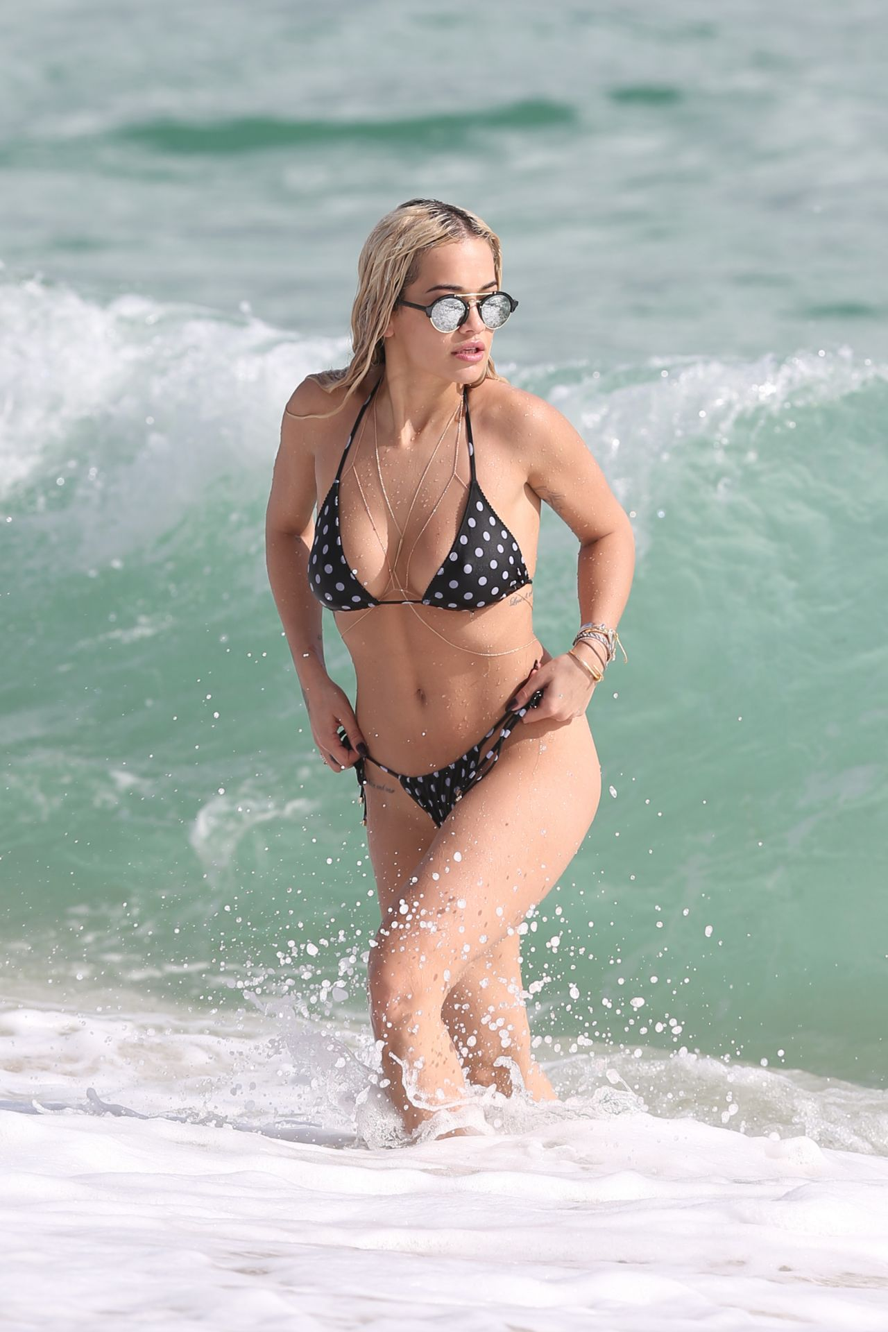 Genevieve morton naked pics,Dasha Astafieva See Through  Erotic nude Mila Kunis Thong And Naked Pictures,Rachel Cook Nude Beach Photo Shoot