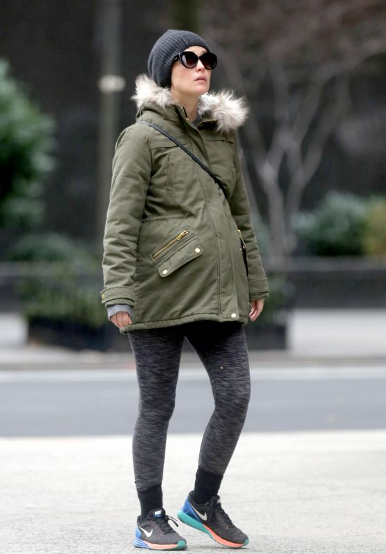 Rose Byrne Winter Style - Out in NYC 12/21/2015