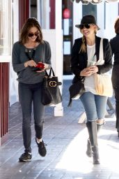 Sarah Michelle Gellar - Out in Santa Monica, December 2015