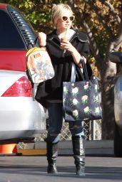Sarah Michelle Gellar Out in Sherman Oaks 12/13/2015