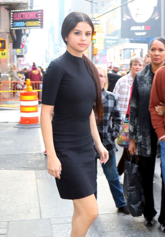 Selena Gomez in Black Dress - Out in NYC 12/11/2015