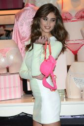 Taylor Hill -