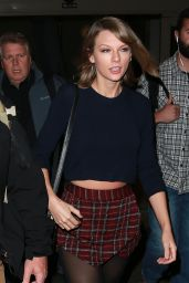 Taylor Swift in Mini Skirt at Melbourne Airport in Melbourne 12/13/2015