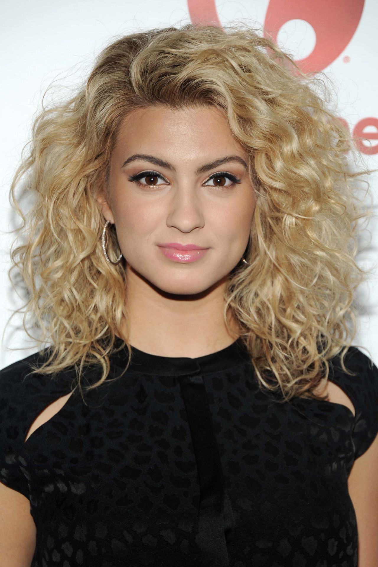 tori kelly 2015 billboard women in music event in new york city. Black Bedroom Furniture Sets. Home Design Ideas