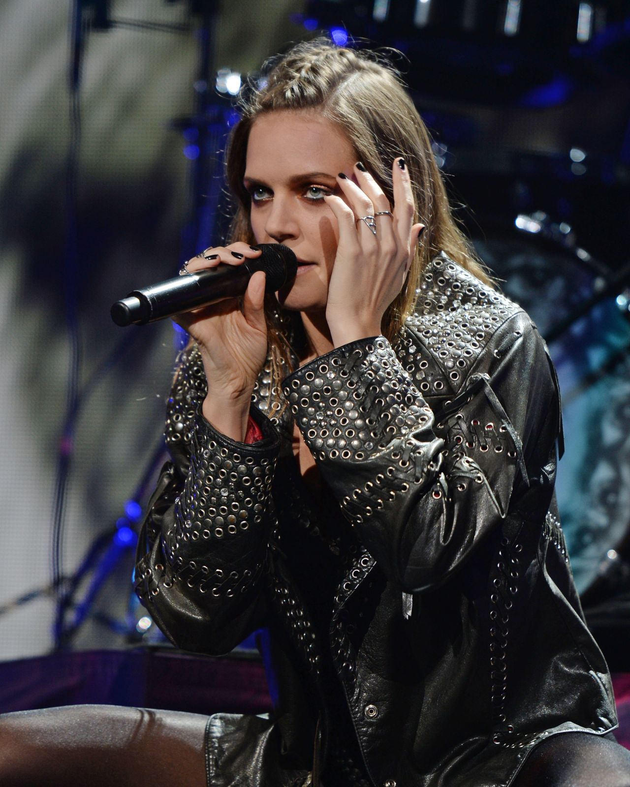 Tove Lo - Performs During the 2015 Y100 Jingle Ball in