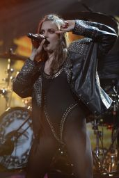 Tove Lo - Performs During the 2015 Y100 Jingle Ball in Sunrise, Florida