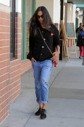 Zoe Saldana Street Style - On a Shopping Spree in Beverly Hills 12/23/2015