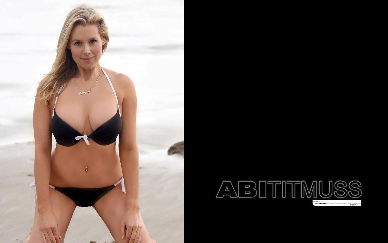 Abi Titmuss Bikini Wallpapers (+5