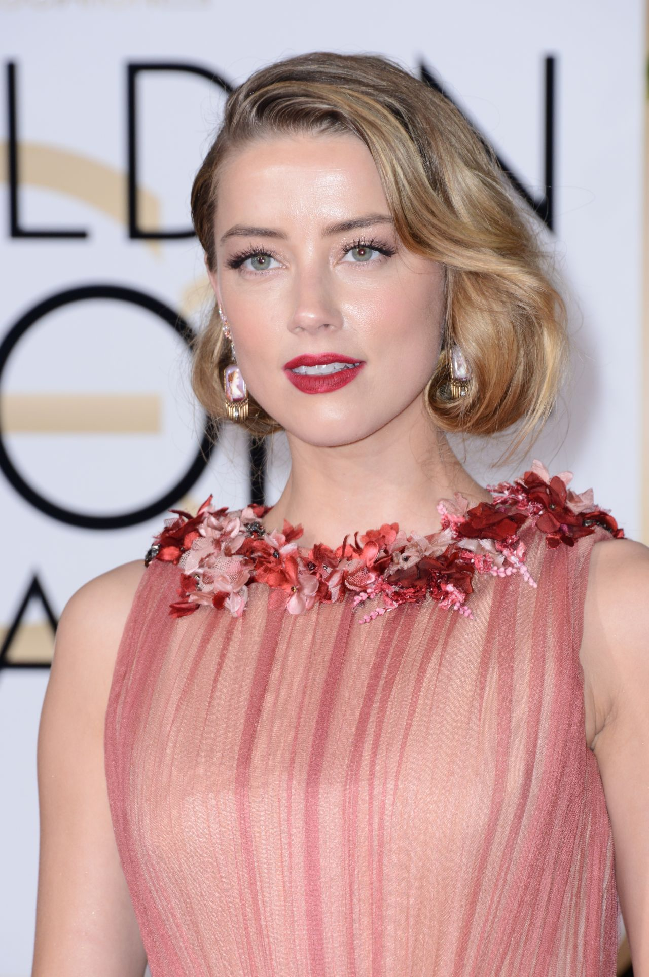 Amber Heard – 2016 Golden Globe Awards in Beverly Hills