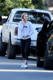 Amber Valletta - Out in Brentwood, 01/27/2016
