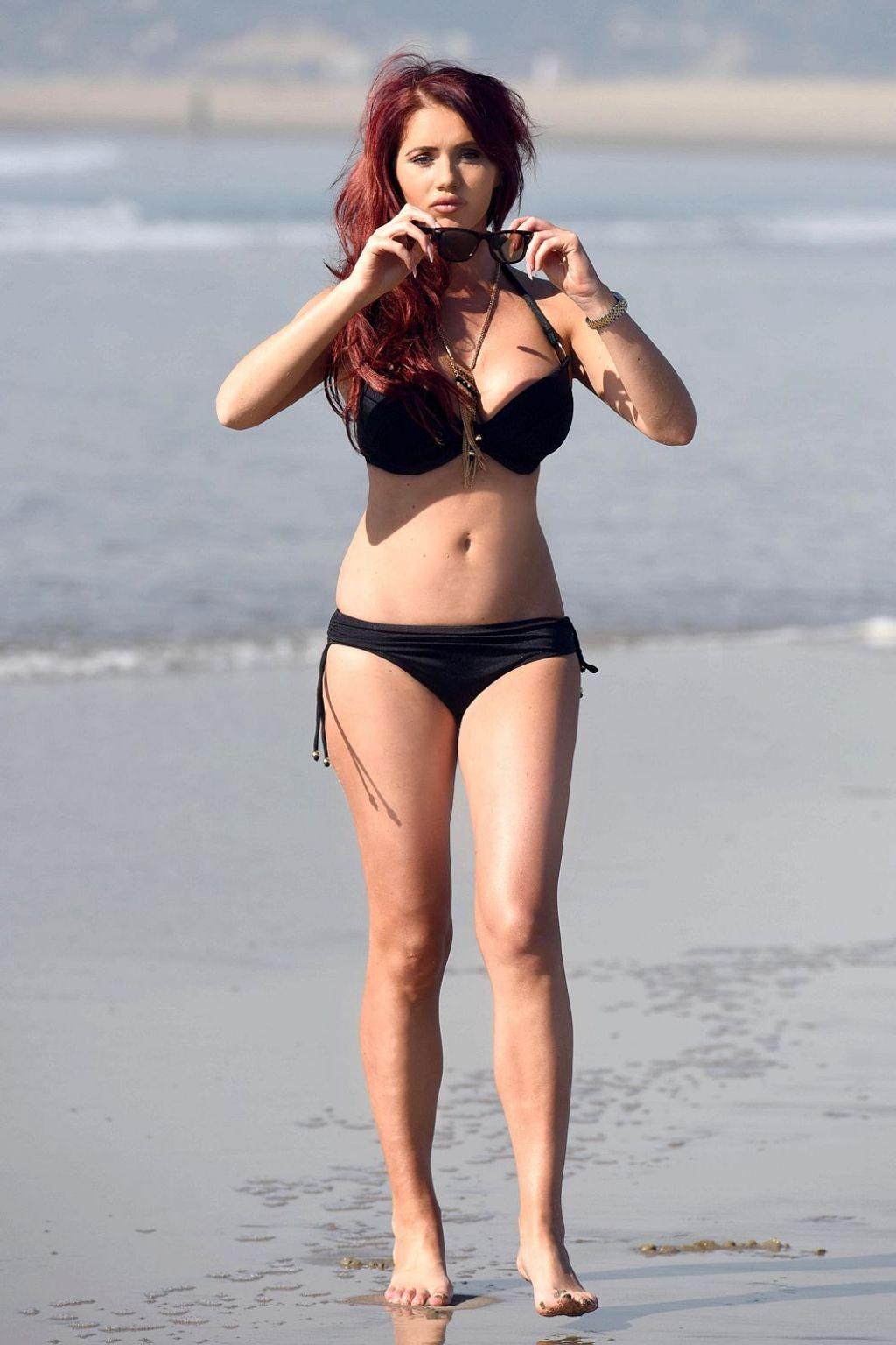 Amy Childs In A Black Bikini On Venice Beach In Los