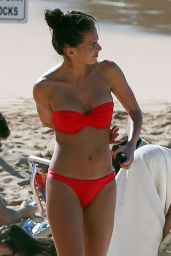 Anna Andres in Red Bikini – Maui, Hawaii 1/2/2016