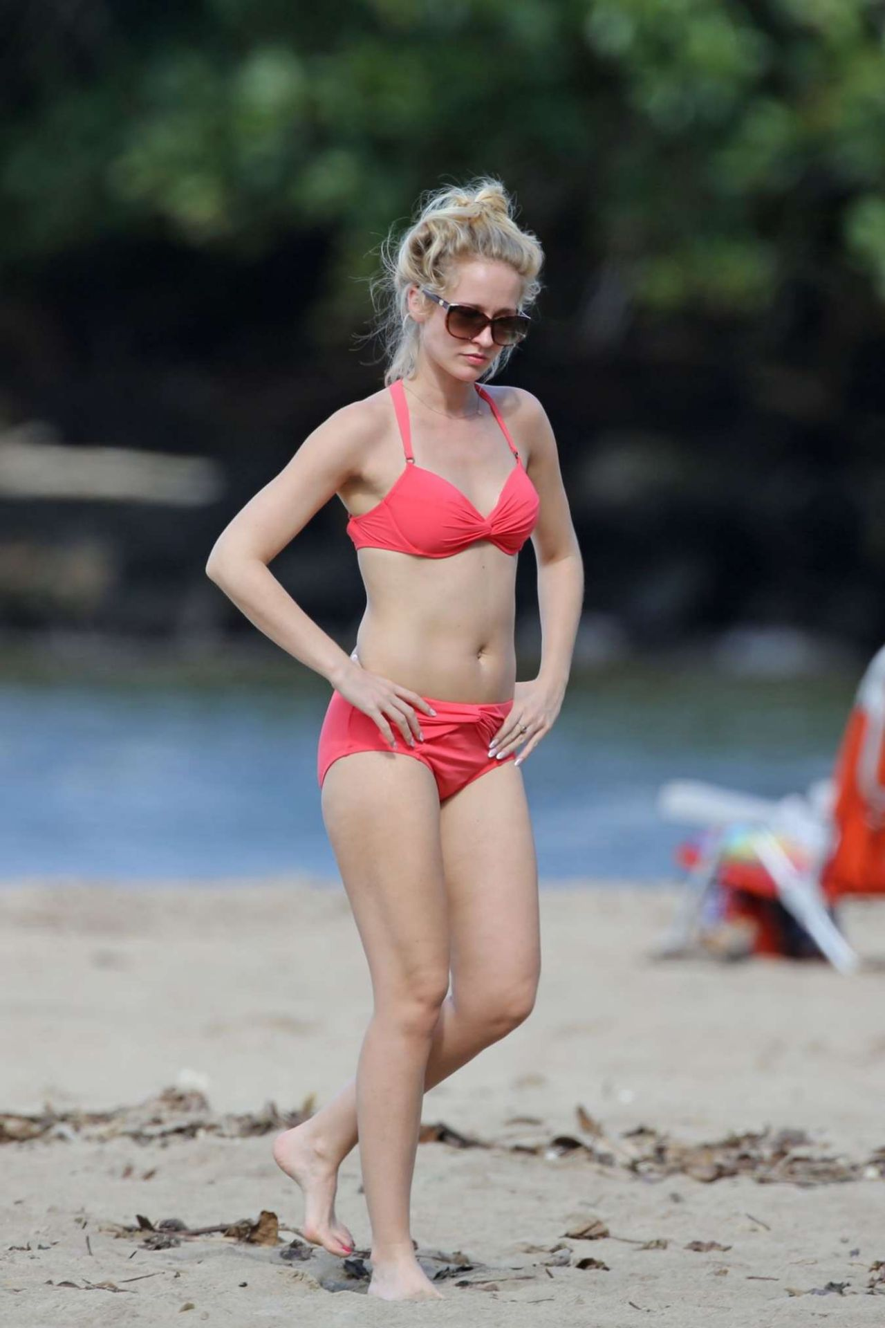 Anna Camp In A Bikini In Hawaii 1 2 2016