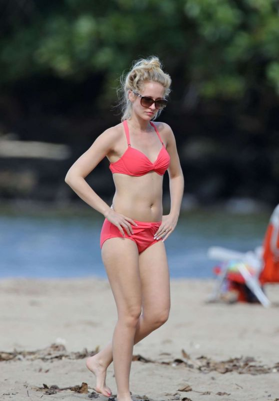 Anna Camp in a Bikini In Hawaii 1/2/2016