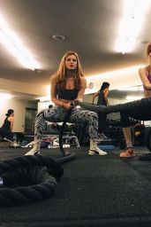 Bella Thorne - Social Media Pics & Videos, January 2016