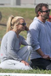Britney Spears - Spends a Leisurely Day at the Park With Her Brother Bryan, January 2016