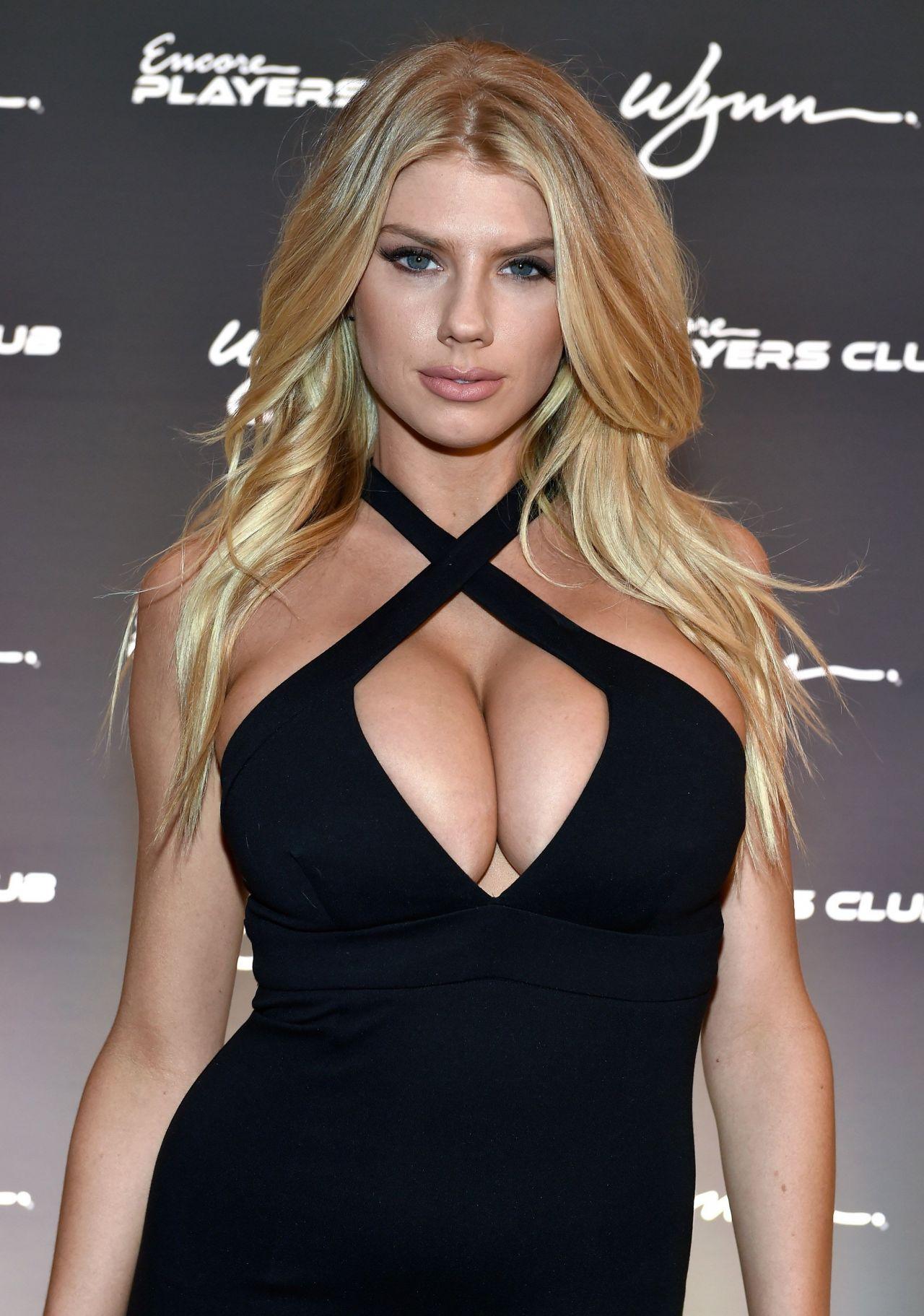 Celebrity Charlotte McKinney nude (55 pics), Pussy