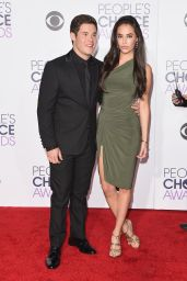 Chloe Bridges – 2016 People's Choice Awards in Microsoft Theater in Los Angeles