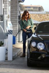 Cindy Crawford in Skin-Tight Jeans - Getting Gas in Malibu 1/14/2016