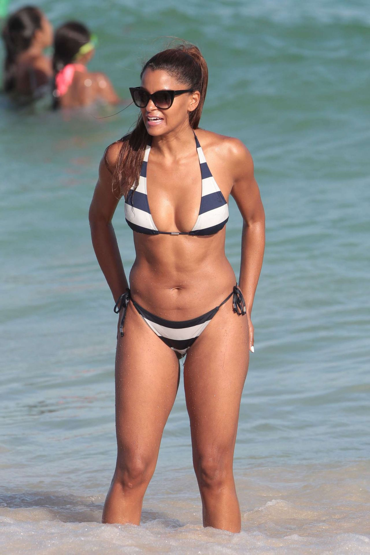 Claudia Jordan Hot In Bikini - Beach In Miami 122016-5019
