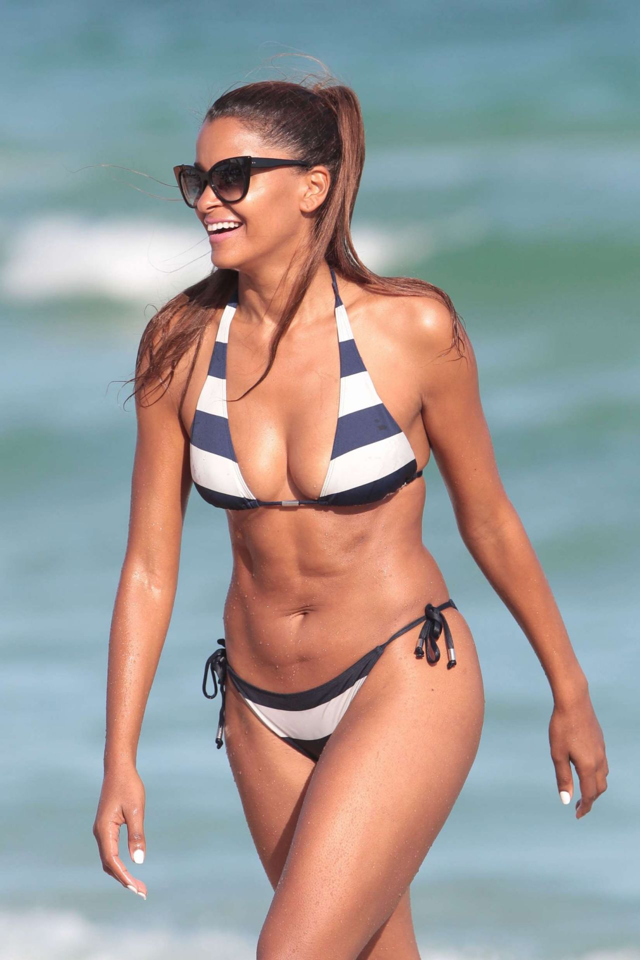 Claudia Jordan Hot In Bikini - Beach In Miami 122016-7658