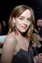 Dakota Johnson – 2016 People's Choice Awards in Microsoft Theater in Los Angeles