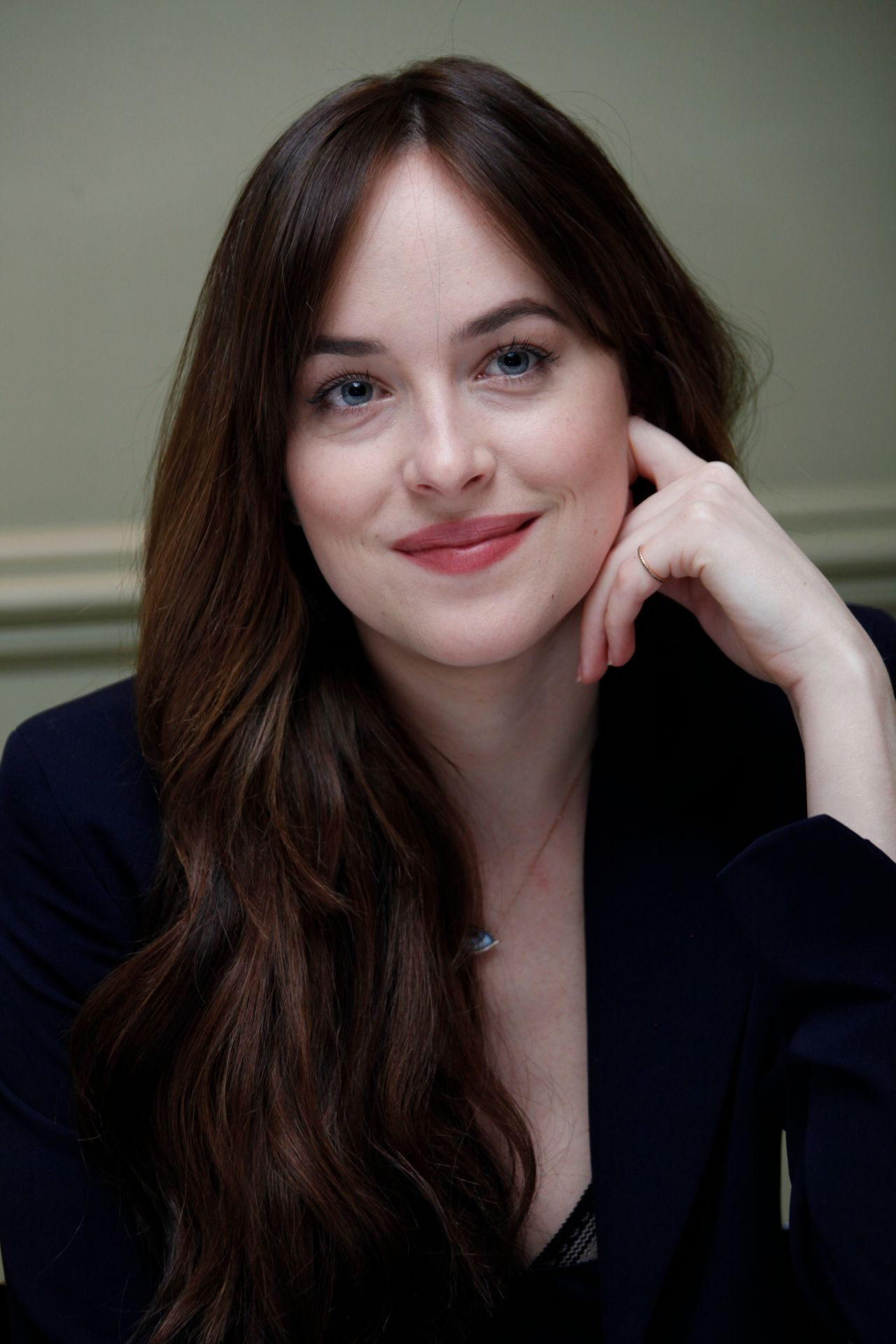 Dakota Johnson How To Be Single Press Conference In