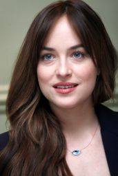 Dakota Johnson -