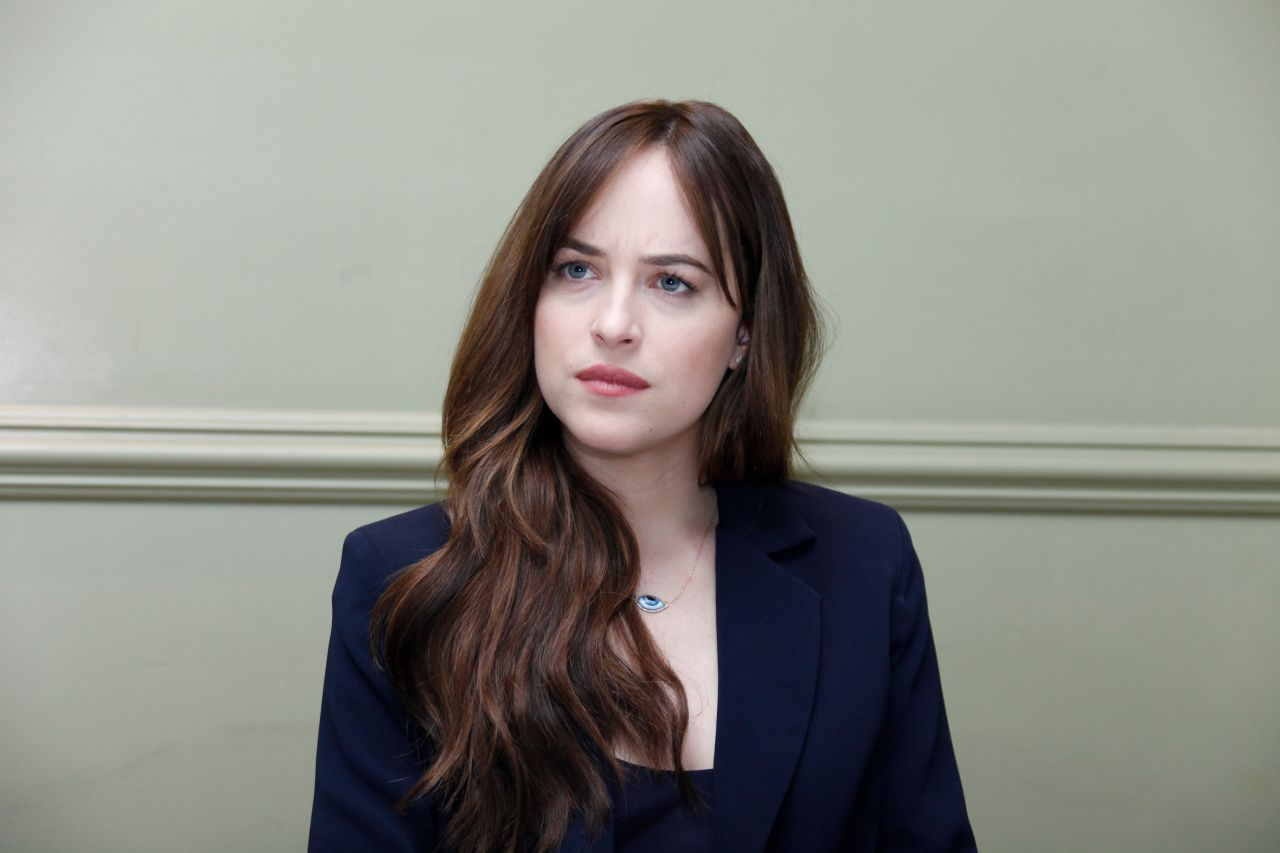 Dakota Johnson €� 'how To Be Single' Press Conference In Los Angeles,  January 2016