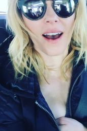 Elizabeth Banks - Celebrating one Million Instagram Followers 01/25/2016