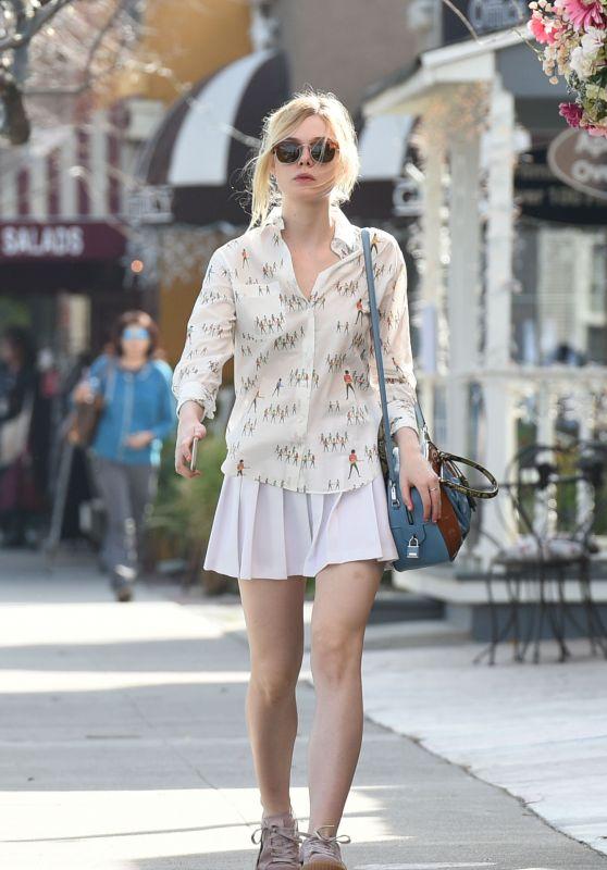 Elle Fanning - Shopping in Studio City, January 2016