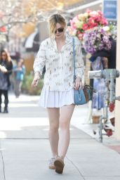 Elle Fanning - Shopping in Studio City, January 2016