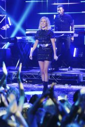 Ellie Goulding – Dick Clark's New Year's Rockin' Eve with Ryan Seacrest 2016 in Los Angeles